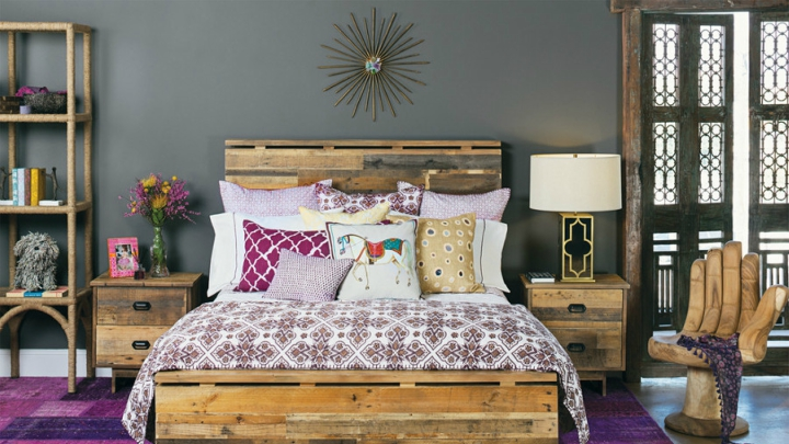 Bedroom with bohemian style