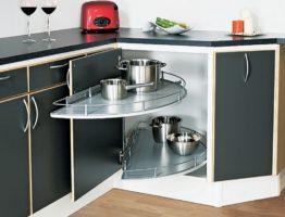 storing pans