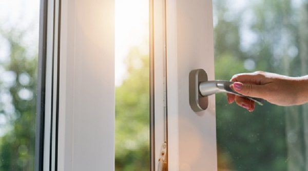 How to replace a window handle